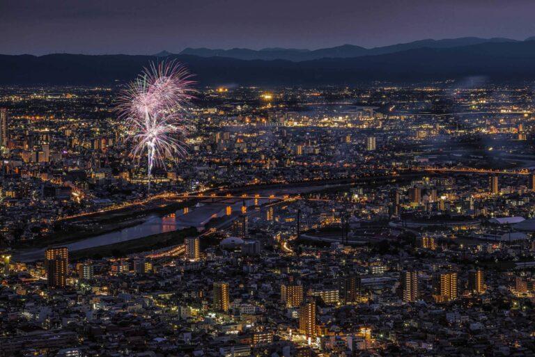 長良川花火大会と岐阜市の夜景