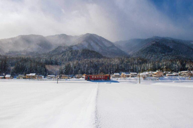 冬の長良川鉄道