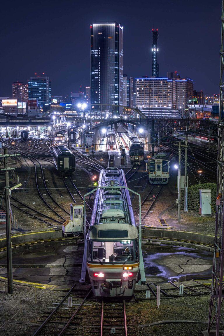 名古屋ビル群と鉄道夜景(愛知県)